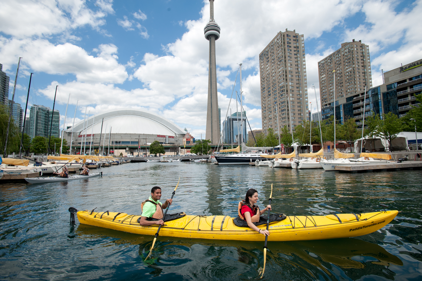 Experiential learning English Toronto - kayaking