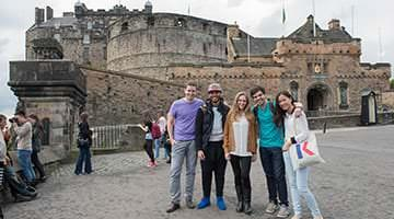 Kaplan students at Edinburgh Castle