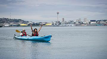 Kaplan students kayaking in Lake Union Seattle