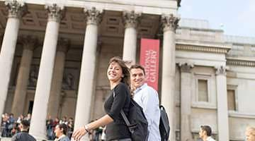 Kaplan students out front of The National Gallery of London
