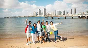 Kaplan students on San Diego beach