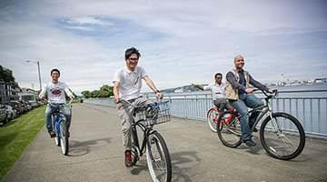 Kaplan students exploring Seattle on bikes