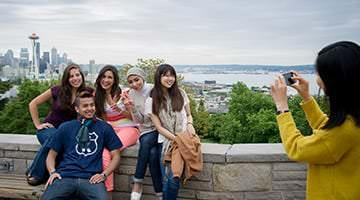 Kaplan students exploring Seattle