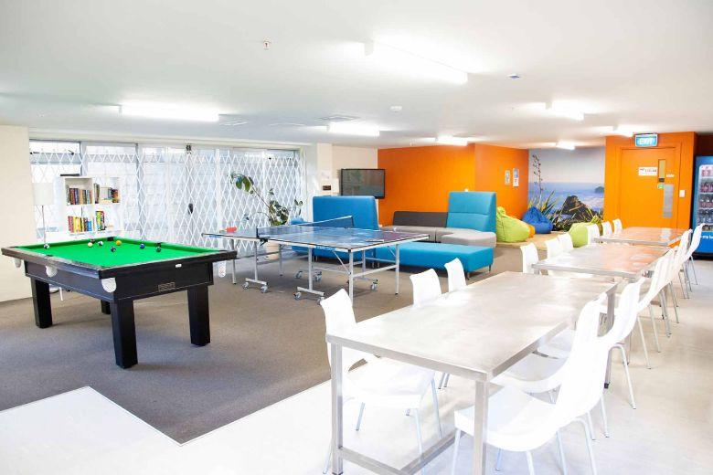 City Lodge: billiard and table tennis