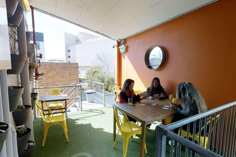 CozzyStay Sharehouse Perth: outdoor table