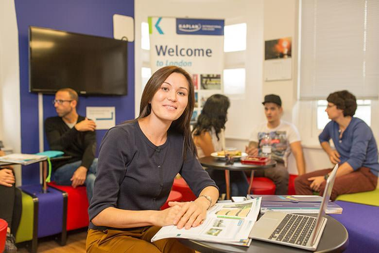 Student studying English at Kaplan Leiceter square school