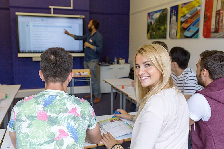 Students during an English course at Kaplan Oxford school