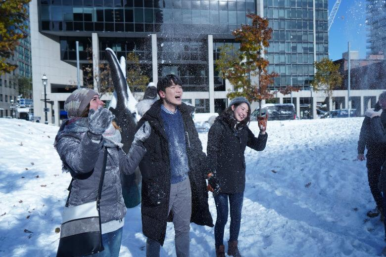 Kaplan students exploring Toronto in the snow